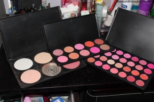 Blush Palettes + makeup storage